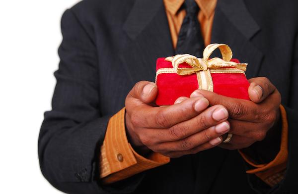 Isteri mahukan hadiah penghargaan dari hati suami yang ikhlas