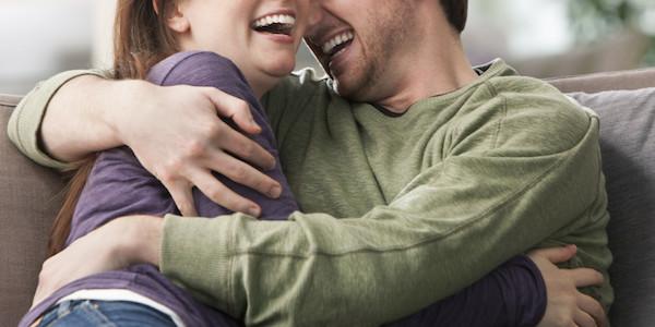 Sebab dan Alasan, Kenapa Isteri Suka Dipeluk Suami