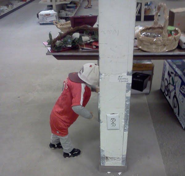 Anak Autism suka hantuk kepala ke dinding
