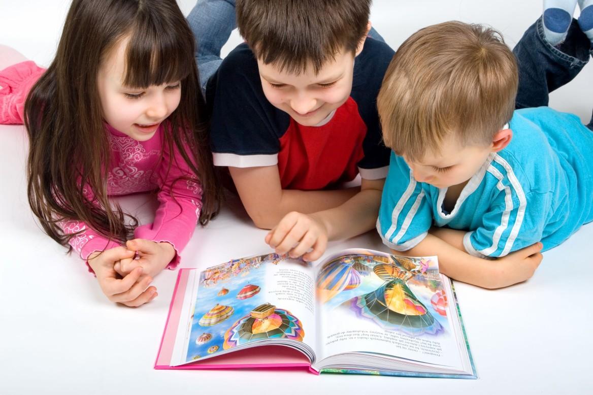 10 Tips Ajar Anak Membaca. Cara Yang Sungguh Mudah!