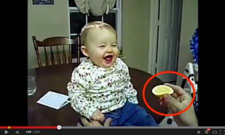 13 Aksi Lucu Bayi Makan Lemon Buat Kali Pertama. #4 Yang Paling Menarik!