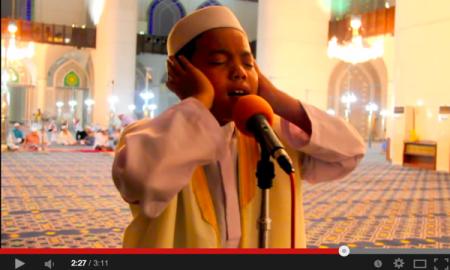 Bila Dengar Laungan Azan Merdu Dari Adik Ini, Terasa Bagai Di Makkah. Subhanallah!