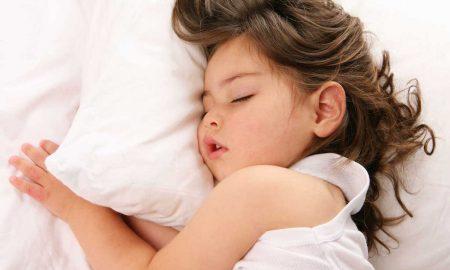 4 Cara Tidurkan Anak Awal Waktu. Tips Biar Mudah Lena!
