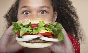 5 Jenis Makanan Yang Tidak Sihat Untuk Kanak-kanak. Jauhi! Hindari!