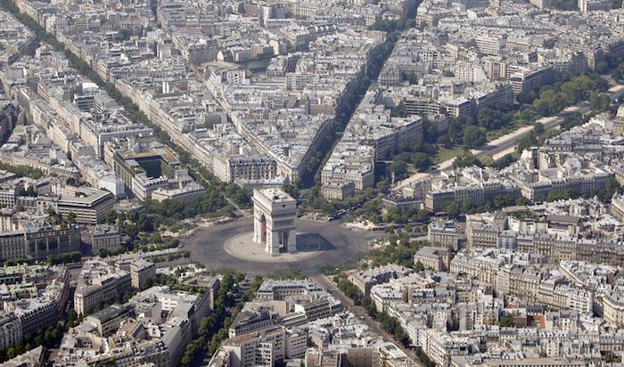 Melancong ke Paris
