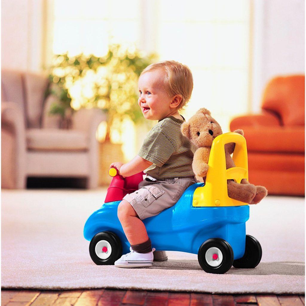 memilih mainan bayi mengikut usia