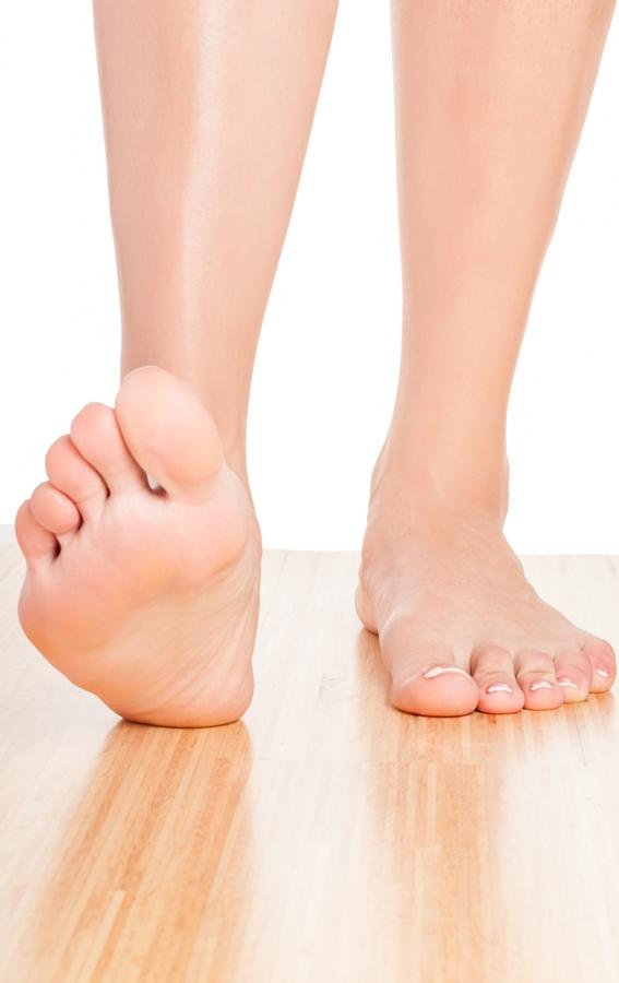 Gerakkan jari kaki dengan kerap jika anda perlu berdiri dengan lama setiap hari