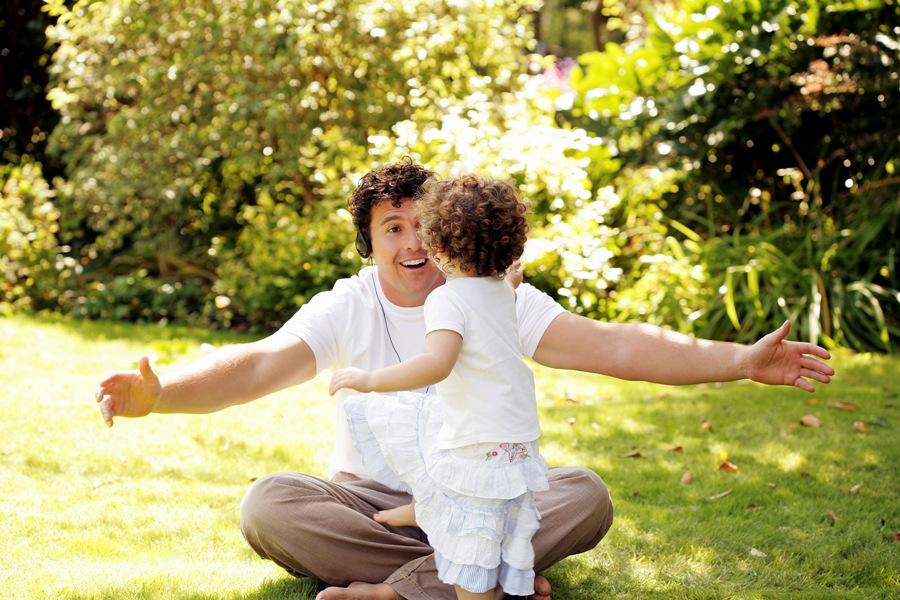 bermain membantu bercakap dengan anak
