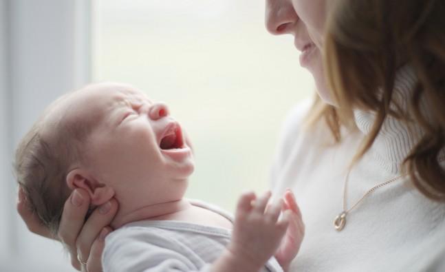 sebab bayi menangis
