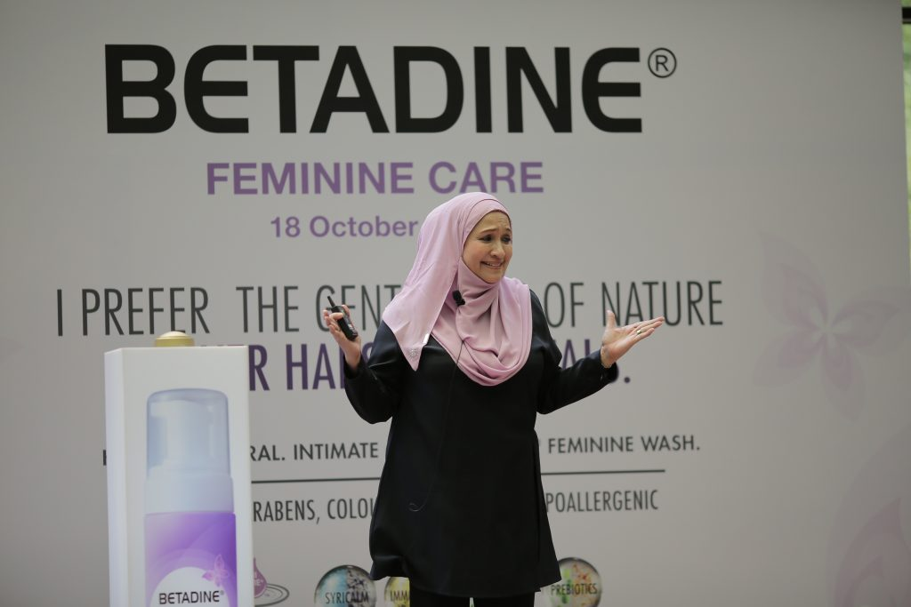 datuk-dr-nor-ashikin-speaking-the-betadine-feminine-launch