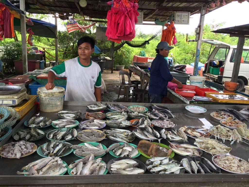 Pasar Haji Dorani terkenal dengan hasil tangkapan laut seperti ikan, ketam, kerang, udang, sotong, mentarang dan lain-lain lagi