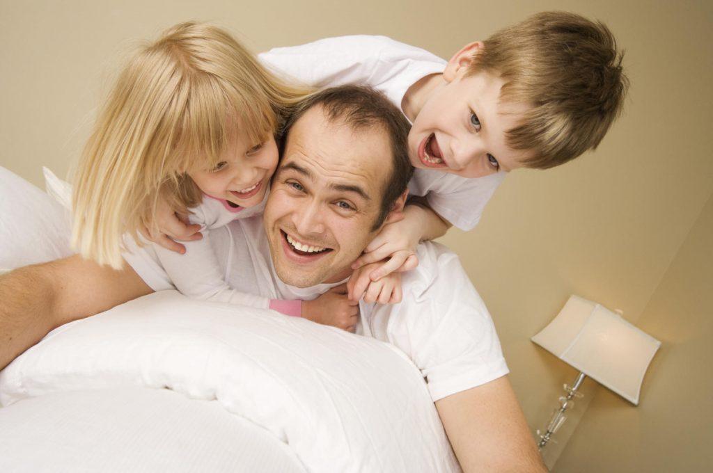 manfaat bermain dengan anak