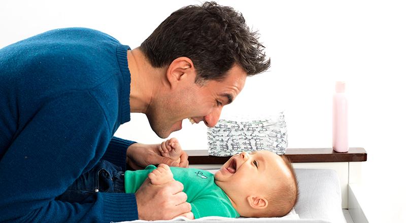 bercakap dengan bayi