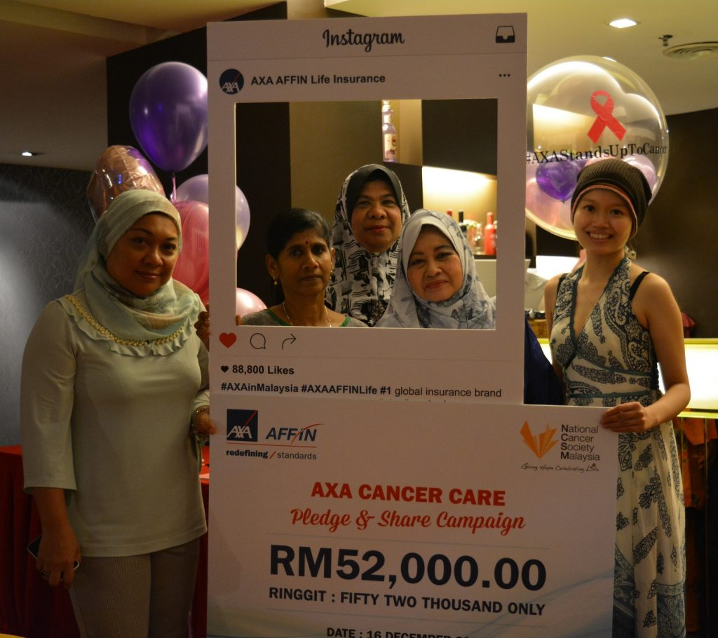 cancer-survivors-at-the-cheque-presentation-ceremony