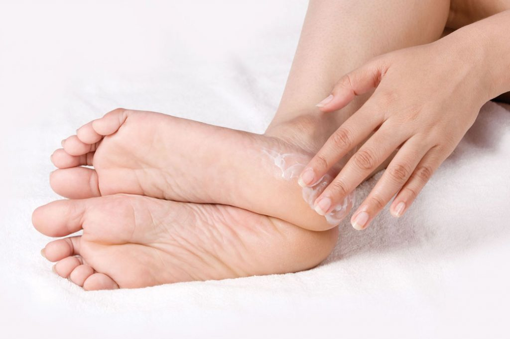 Image result for bersihkan tumit kaki