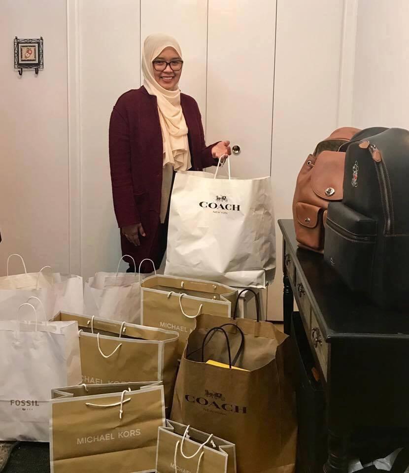 0cbad31cd6c5 Puan Nor Rafidah Khairuddin, atau lebih mesra dipanggil Rafidah, telah  menjadi personal shopper selama 4 tahun. Barang yang dia jual bukan  sebarangan.