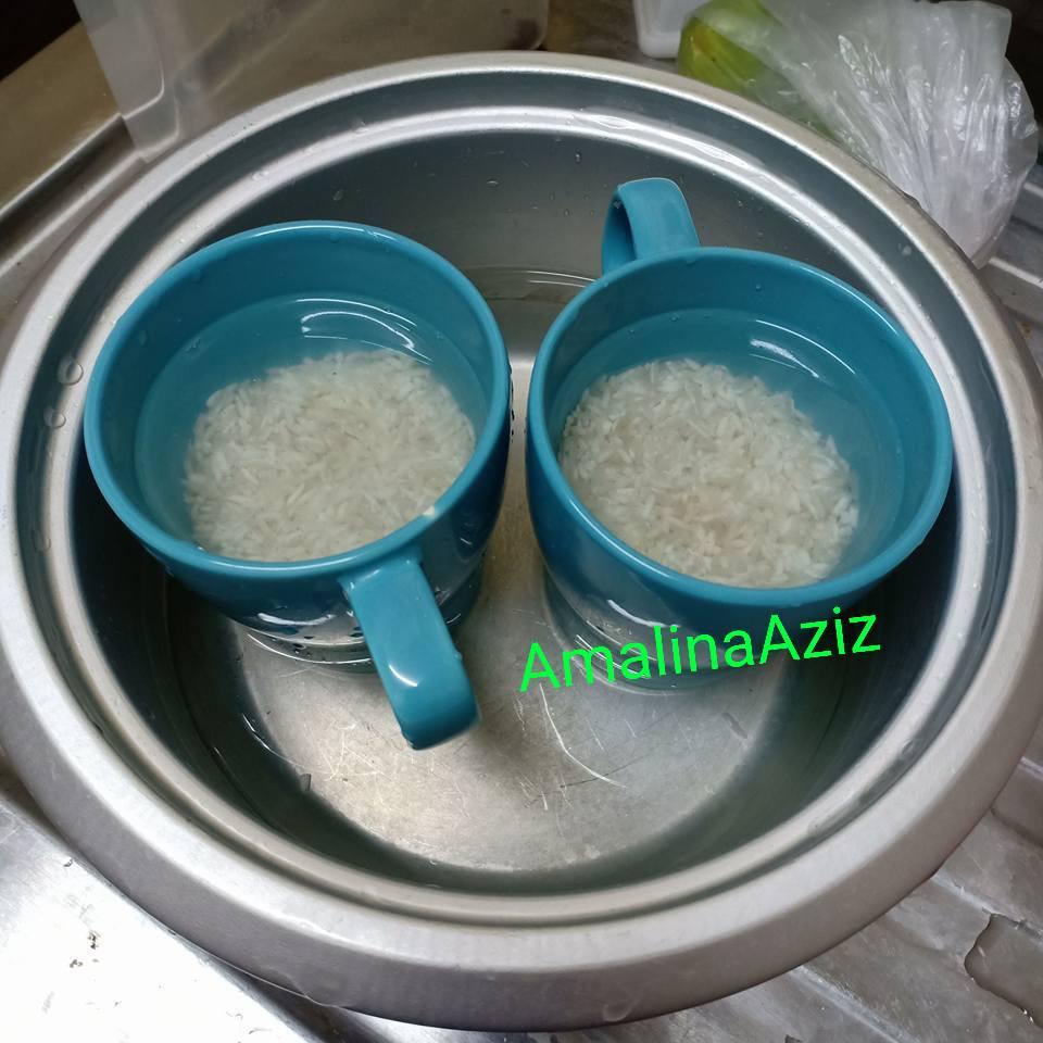 3 Isikan Air Dalam Periuk Rice Cooker