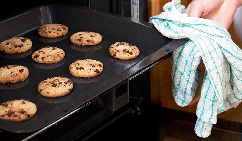5 Cara Rangupkan Semula Biskut, Kacang, Kerepek & Popcorn Yang Lemau