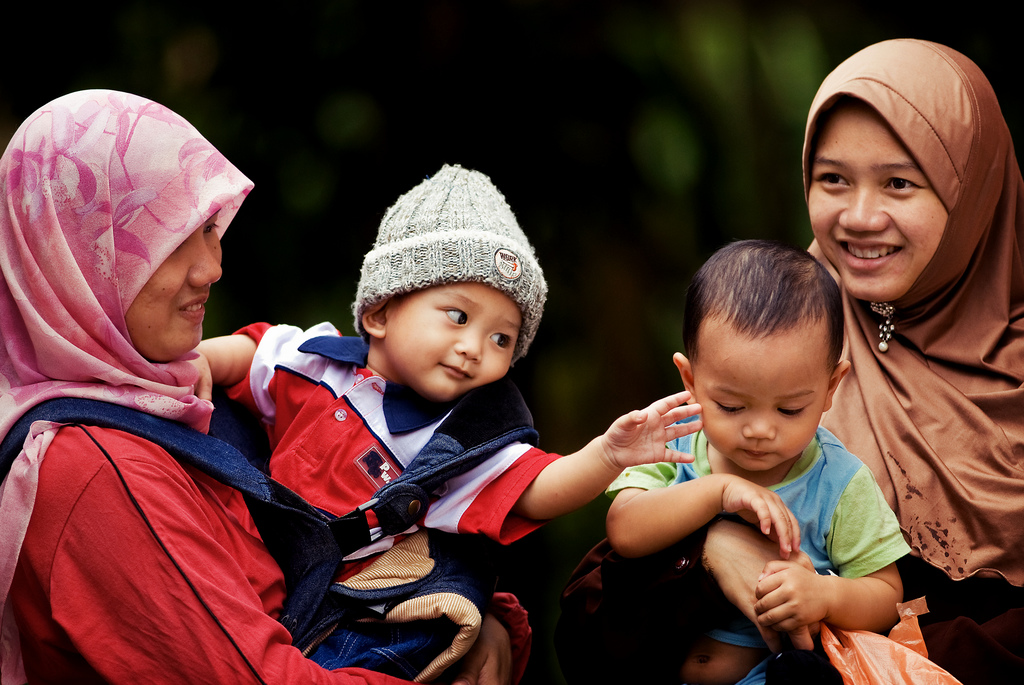 7 Tips & Cara Jadi 'Best Friend' Anak Sendiri