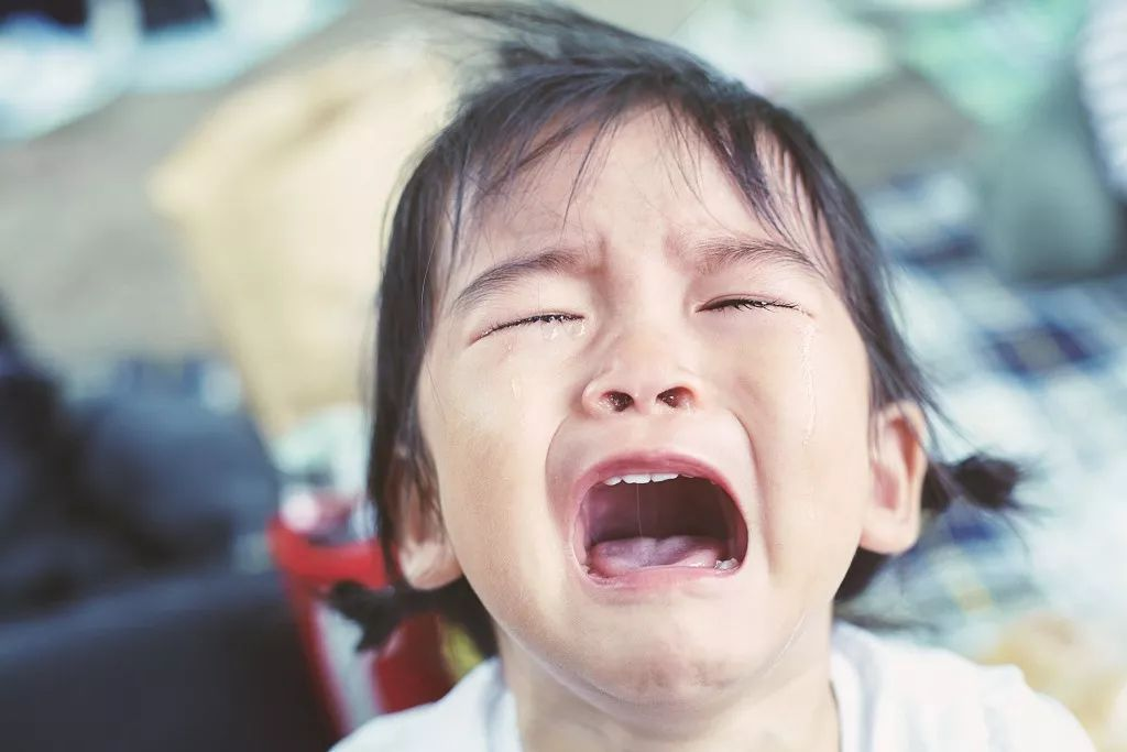 anak tantrum menangis